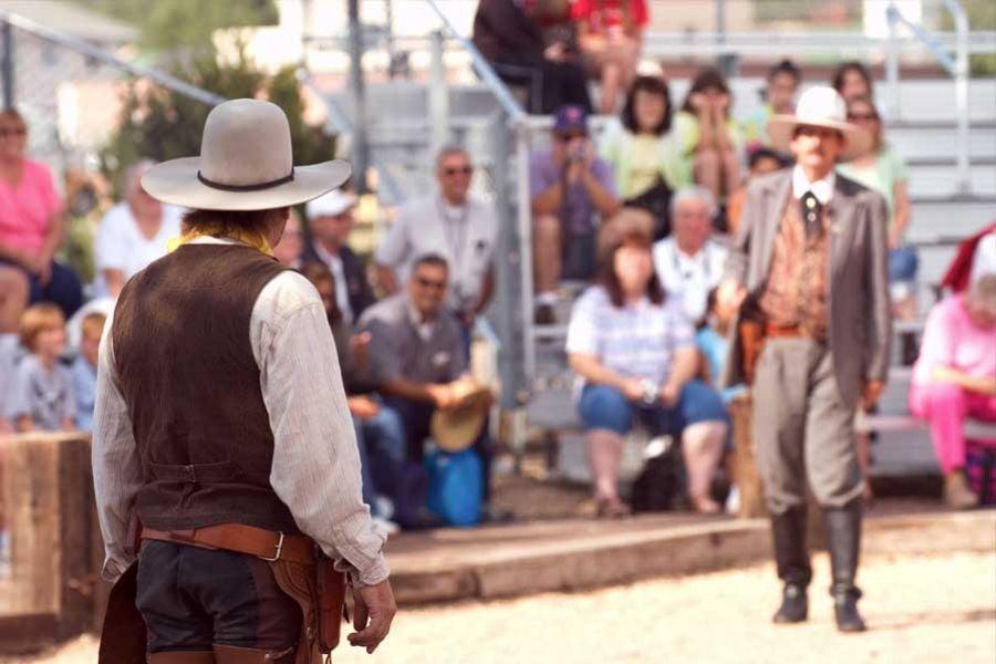 Grand Canyon Railway shootout